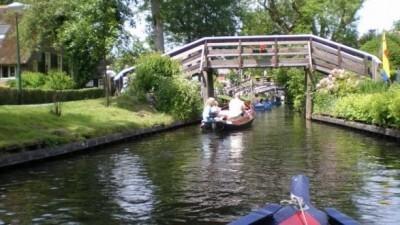 Redactie Tip: Bedrijfsuitje in Giethoorn met picknick-puzzel-puntertocht