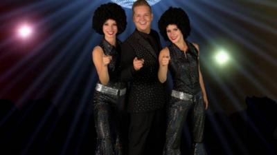 Nieuw: Night Fever Disco Show op de Partyboot – Swingend avondje uit in Rotterdam