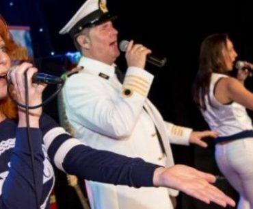 Review TIP: Havencruise met zang en dans door Rotterdam