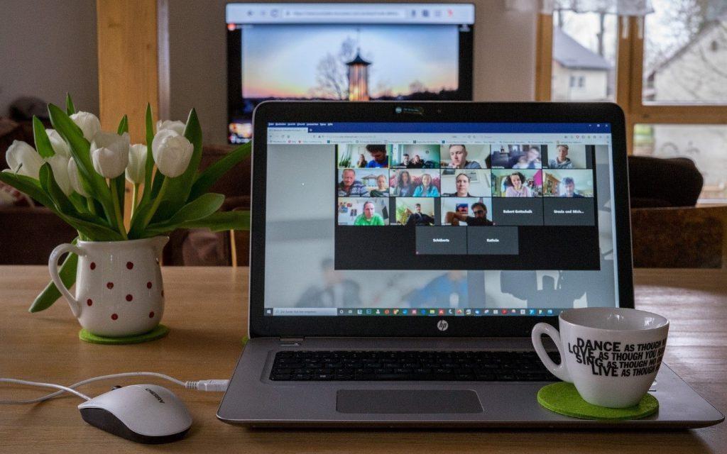 4 online alternatieven voor een bedrijfsuitje